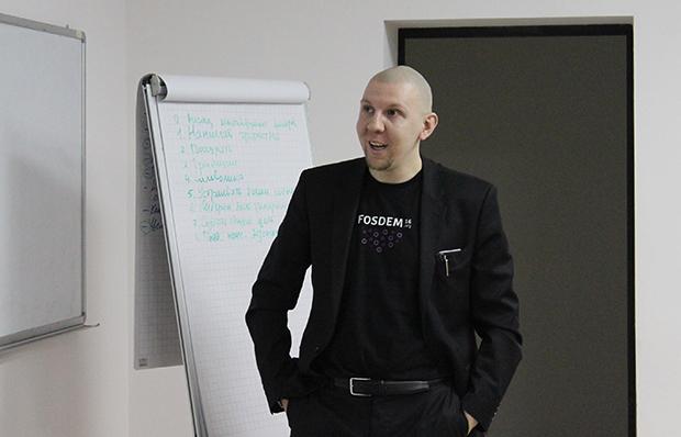 Алексей Федоров, гость из Санкт-Петербурга на IT People Meetup #2 в Новосибирске. Фото: Антон Дурнецов
